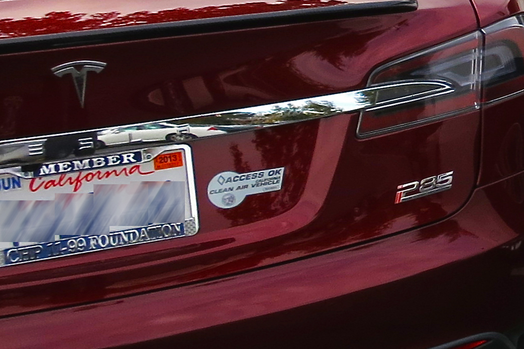 File:Tesla Model S with Calif HOV access sticker.jpg ...