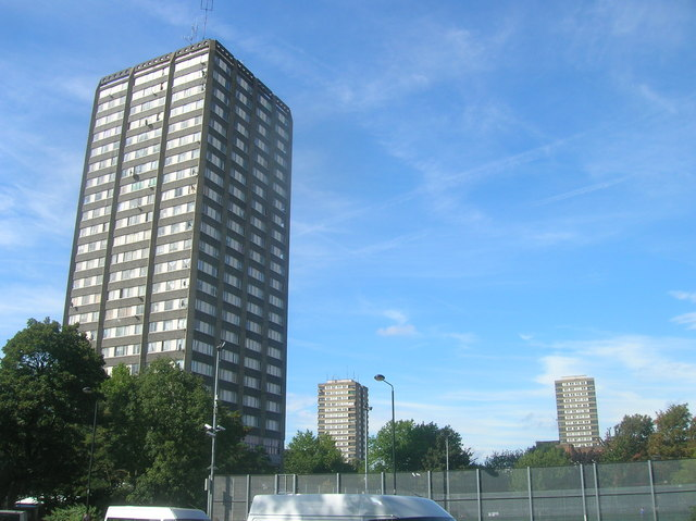 Tower blocks from Silchester Road W10 - geograph.org.uk - 1485104.jpg