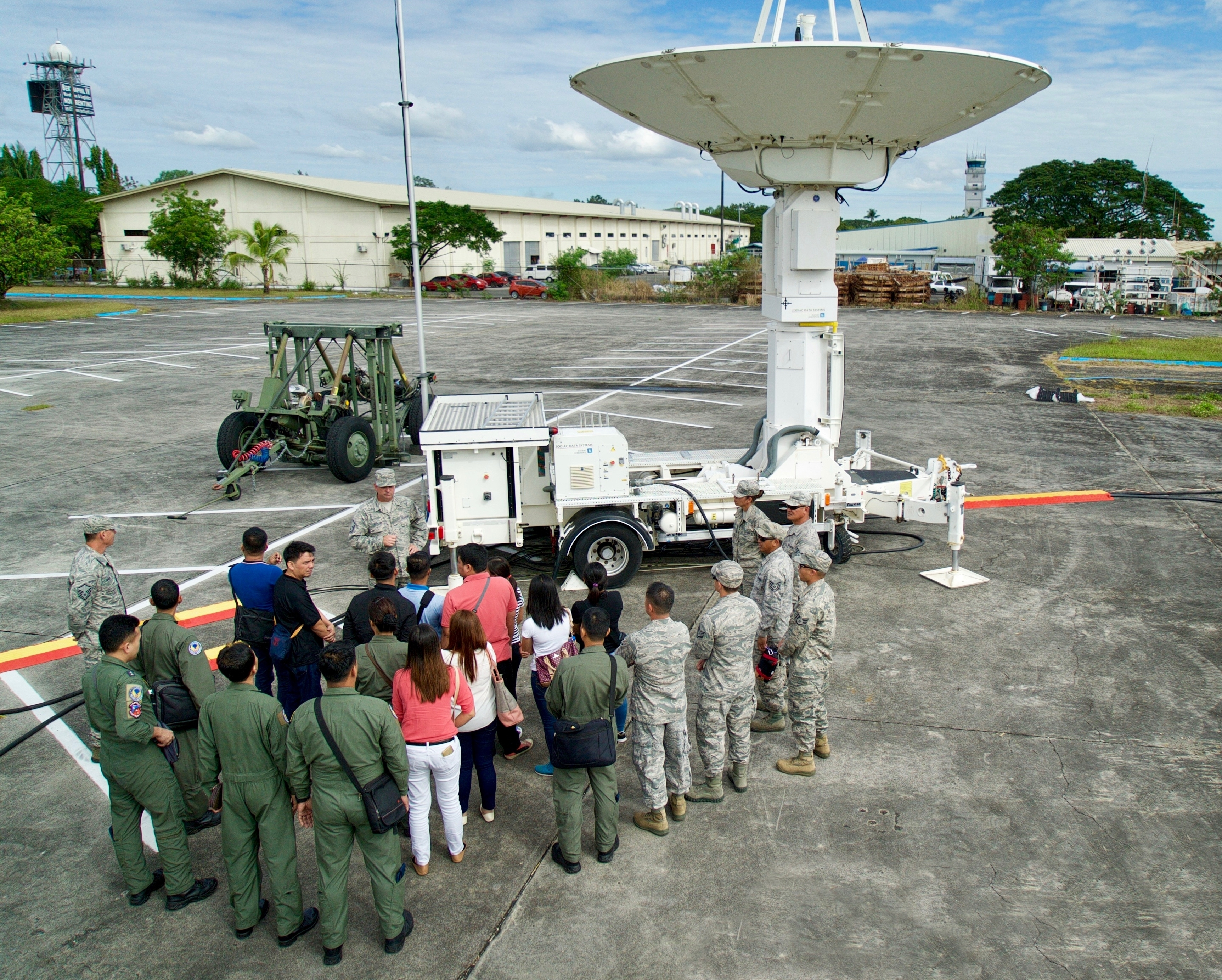 U.S._and_Philippines_service_members_mee