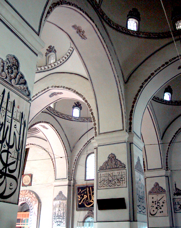 Interior de la mezquita Ulu Camii de Bursa
