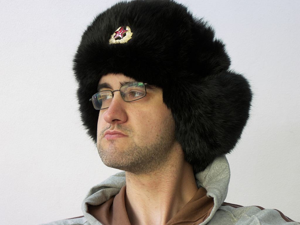 http://upload.wikimedia.org/wikipedia/commons/6/68/Ushanka.JPG