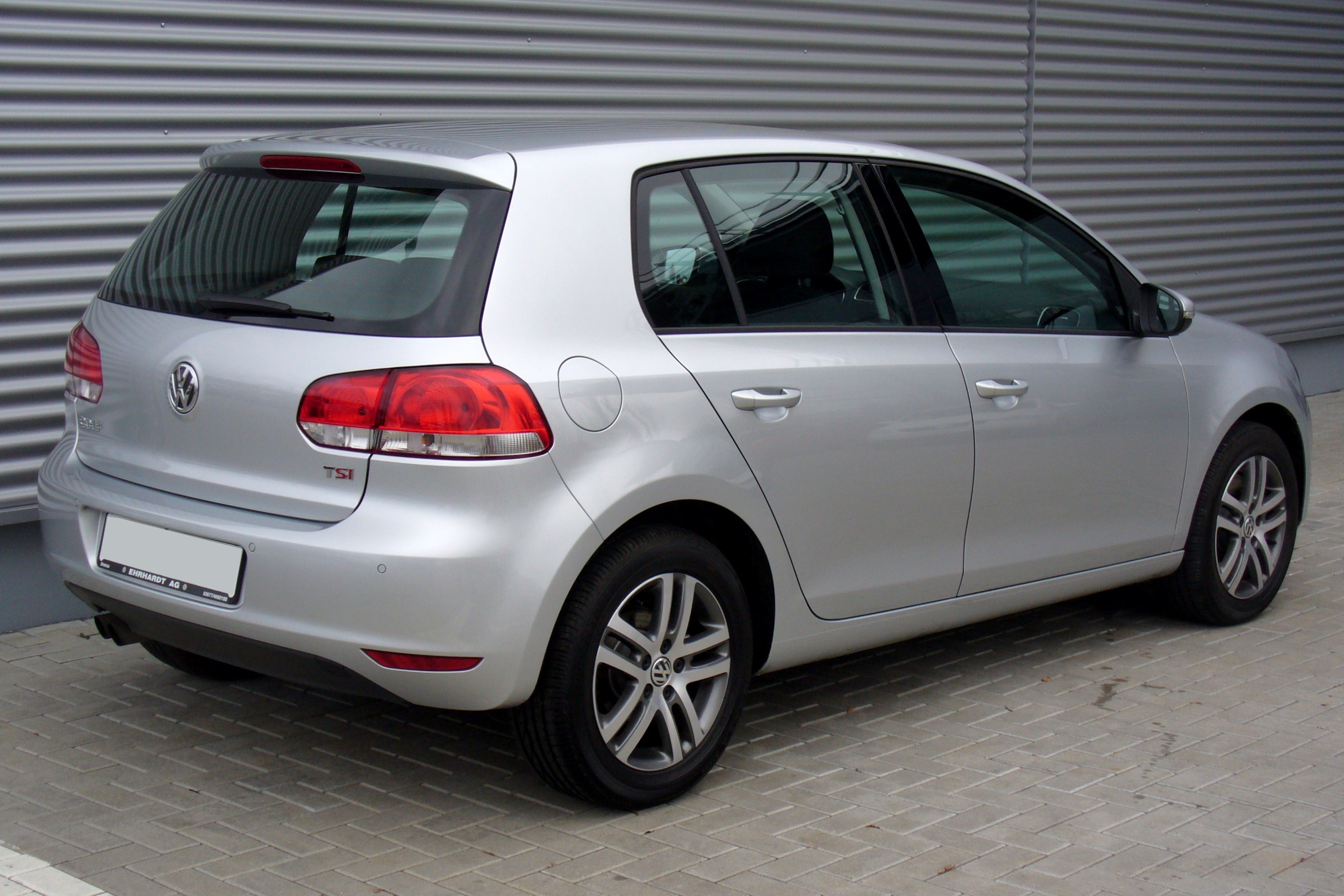 file vw golf vi 1 4 tsi 160ps comfortline reflexsilber heck jpg wikimedia commons