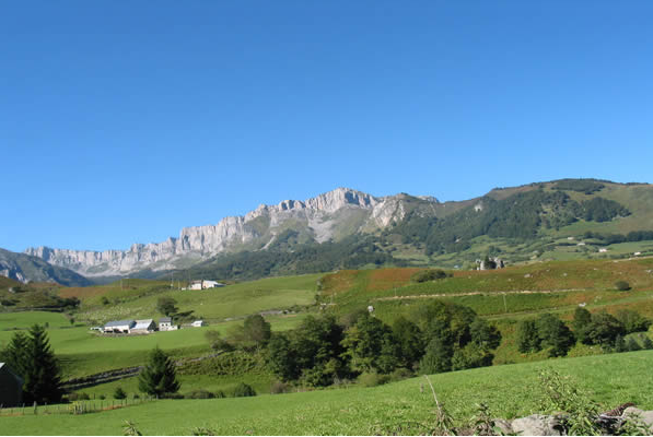 Image:Val d'Aspe-Lescun-Bearn-Pyrenees.png