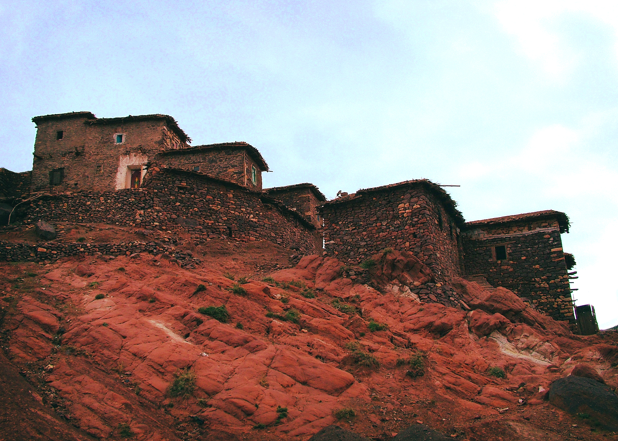 https://upload.wikimedia.org/wikipedia/commons/6/68/Village_berber.jpg