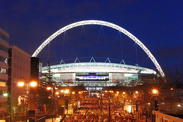 Estadio de Wembley. Foto nocturna.