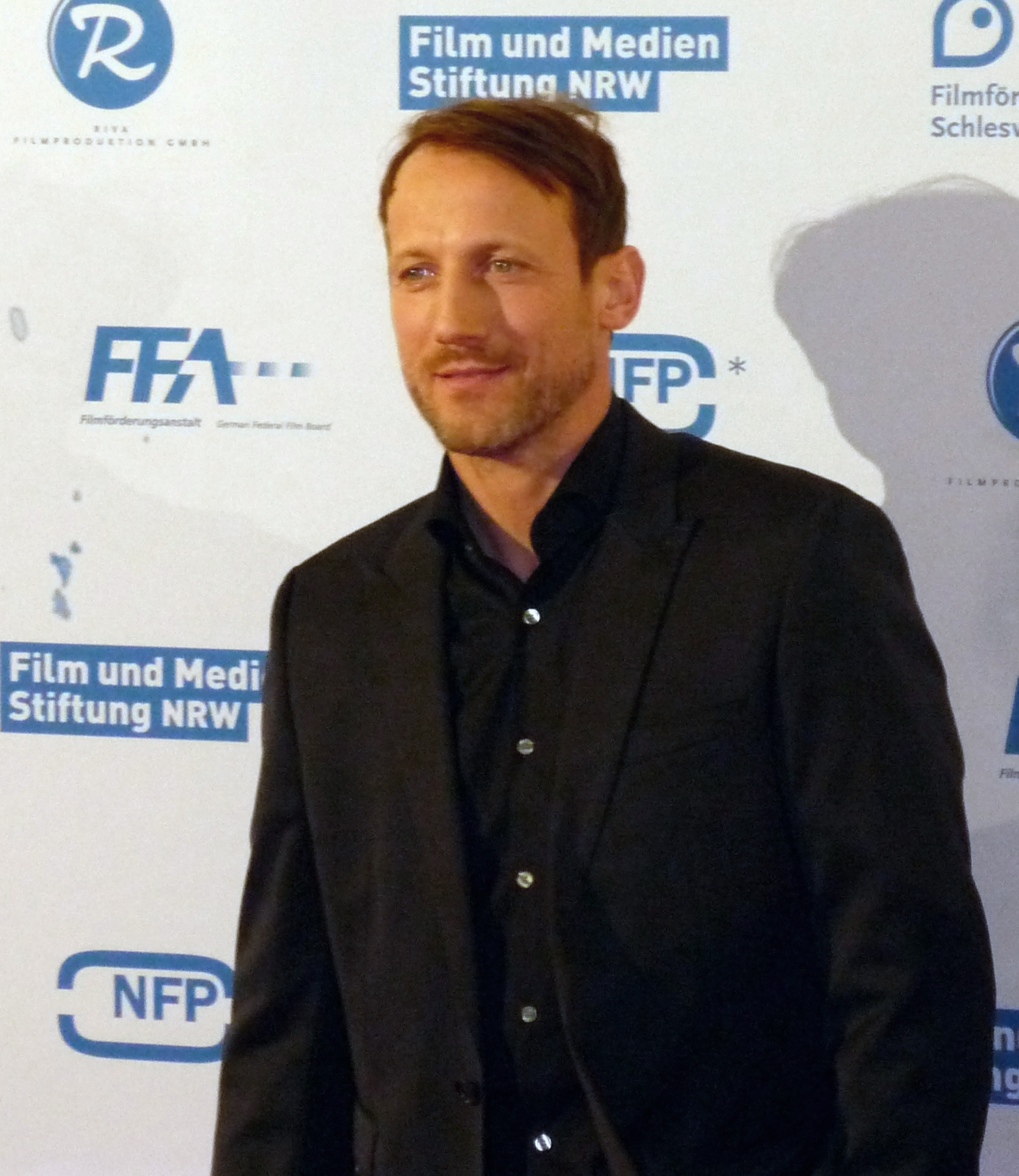 The 51-year old son of father (?) and mother(?) Wotan Wilke Möhring in 2018 photo. Wotan Wilke Möhring earned a  million dollar salary - leaving the net worth at 1.5 million in 2018