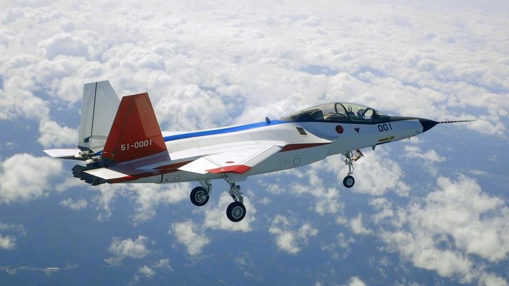 اليابان تخطط لبيع مقاتلاتها القديمه نوع F-15 الى الولايات المتحده  - صفحة 2 X-2_First_Flight