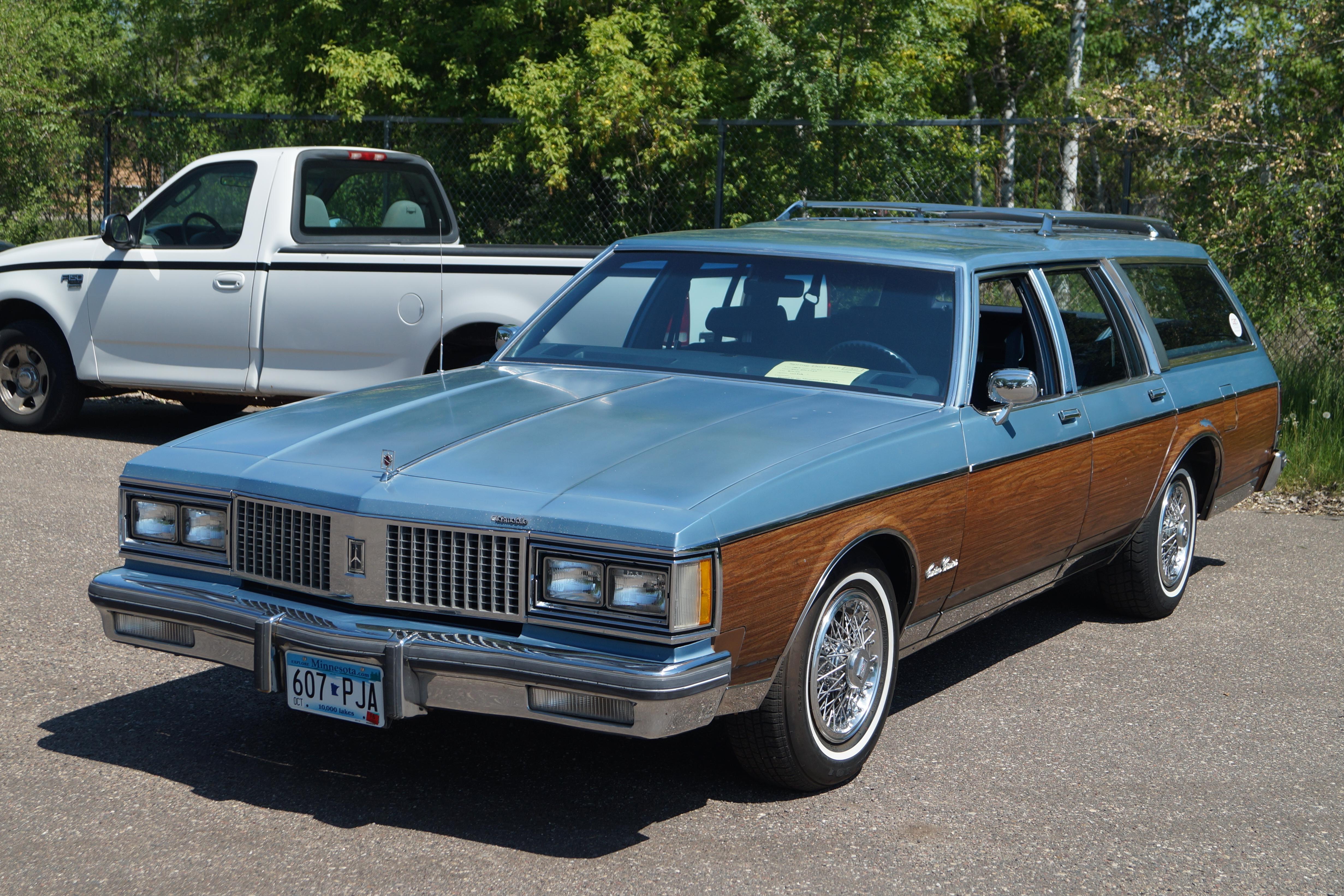 oldsmobile custom cruiser wikipedia wikipedia