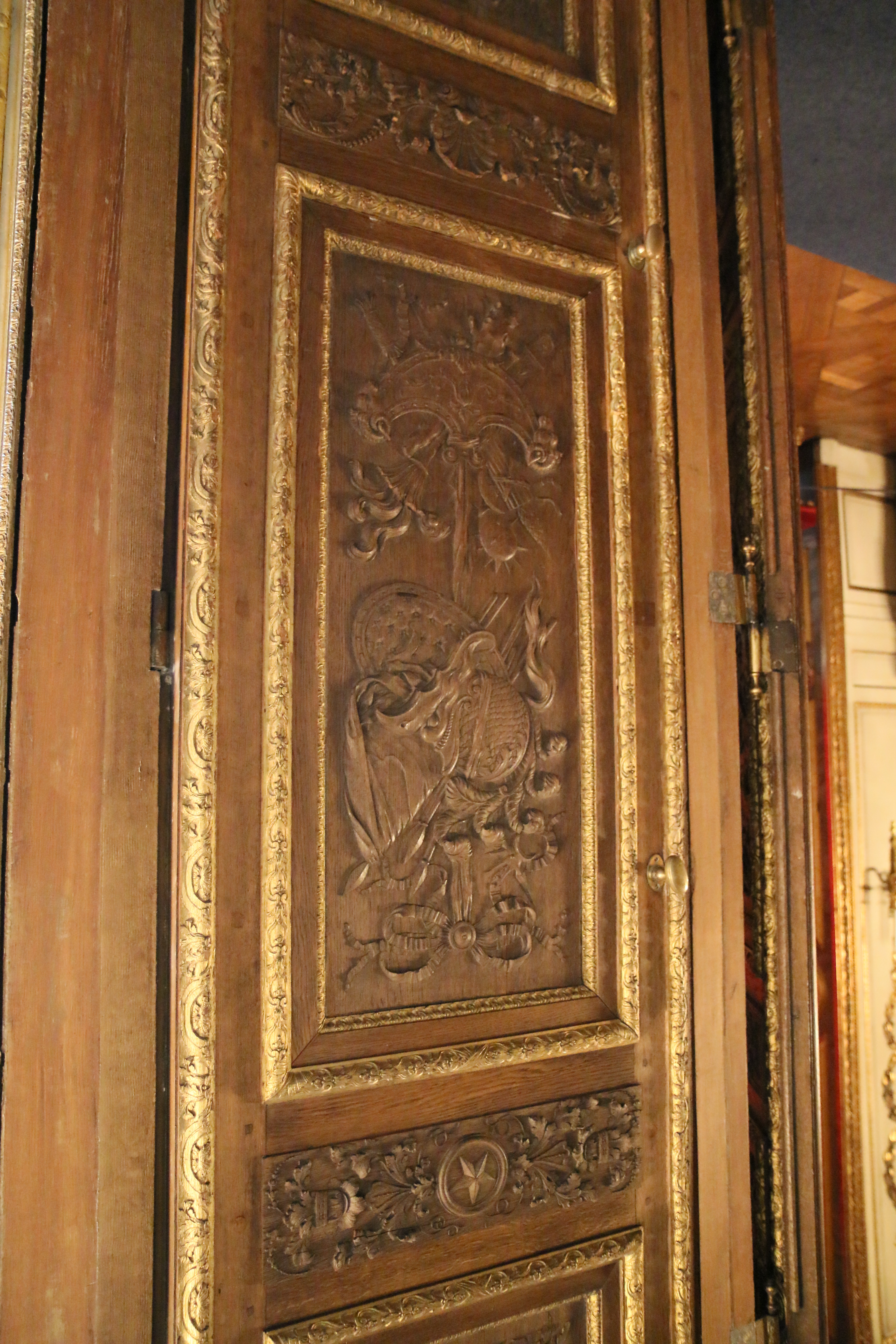 File:28b Nice wooden carvings on a door at the Swedish royal ...