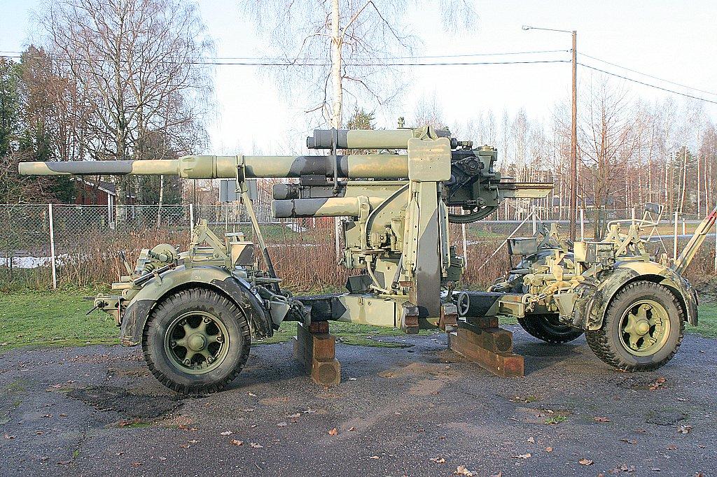 """""""Новое"""" свидетельство - Страница 3 8%2C8-cm-Flugabwehrkanone_37.8.8_cm_anti-aircraft_cannon_37"""
