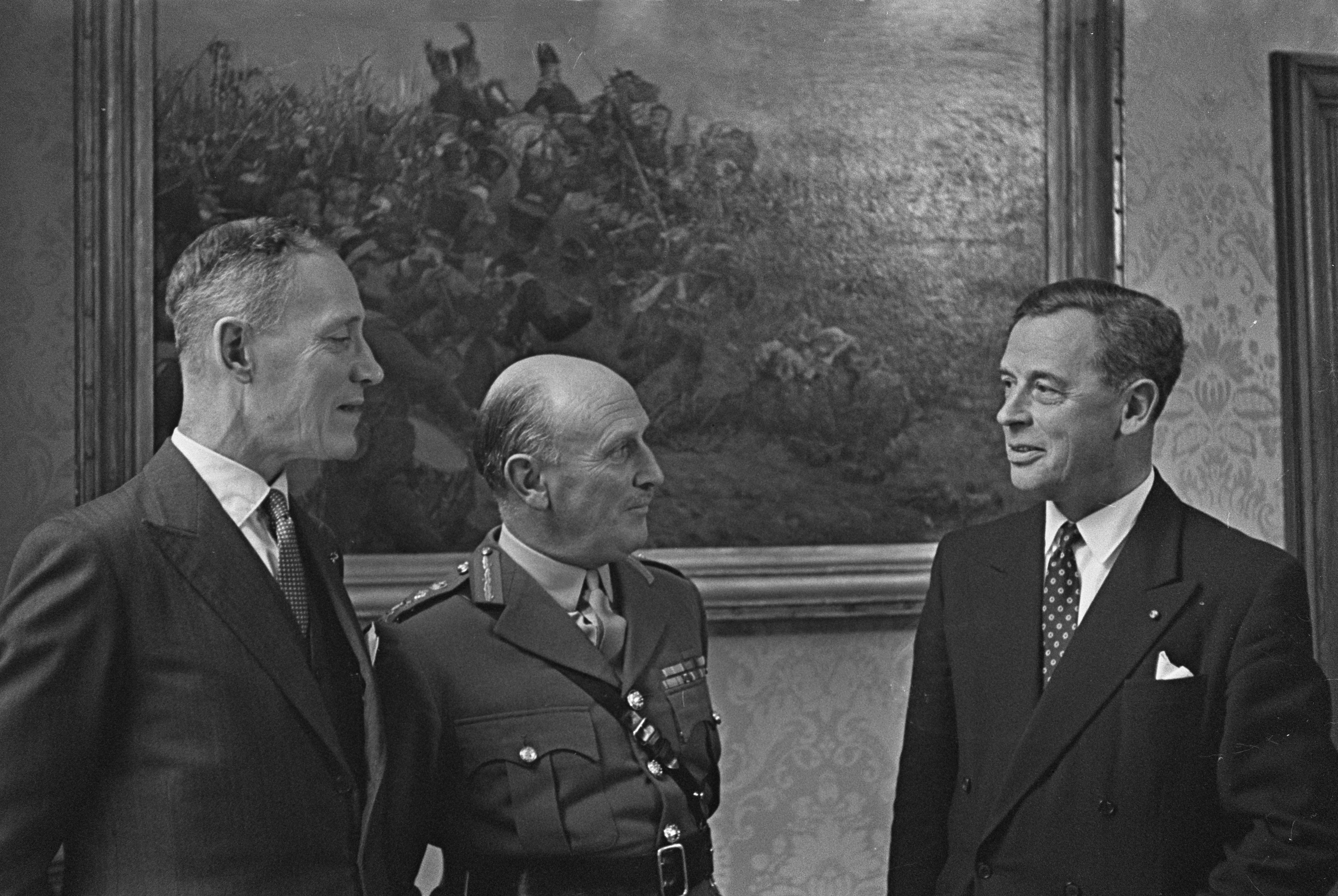 General Sir Dudley Ward (centre) visiting the Netherlands in 1959