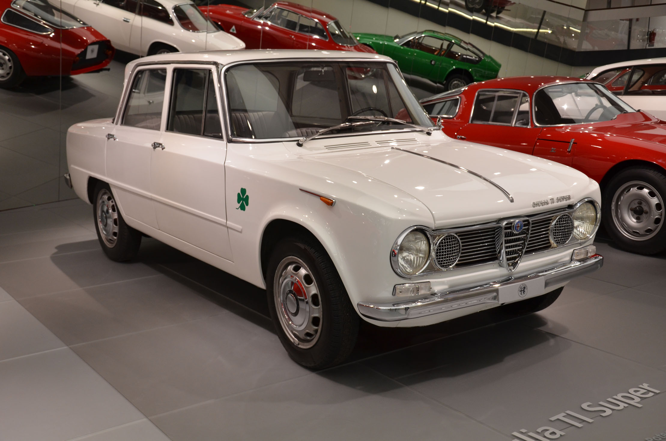 alfa romeo giulia ti super wikiwand. Black Bedroom Furniture Sets. Home Design Ideas