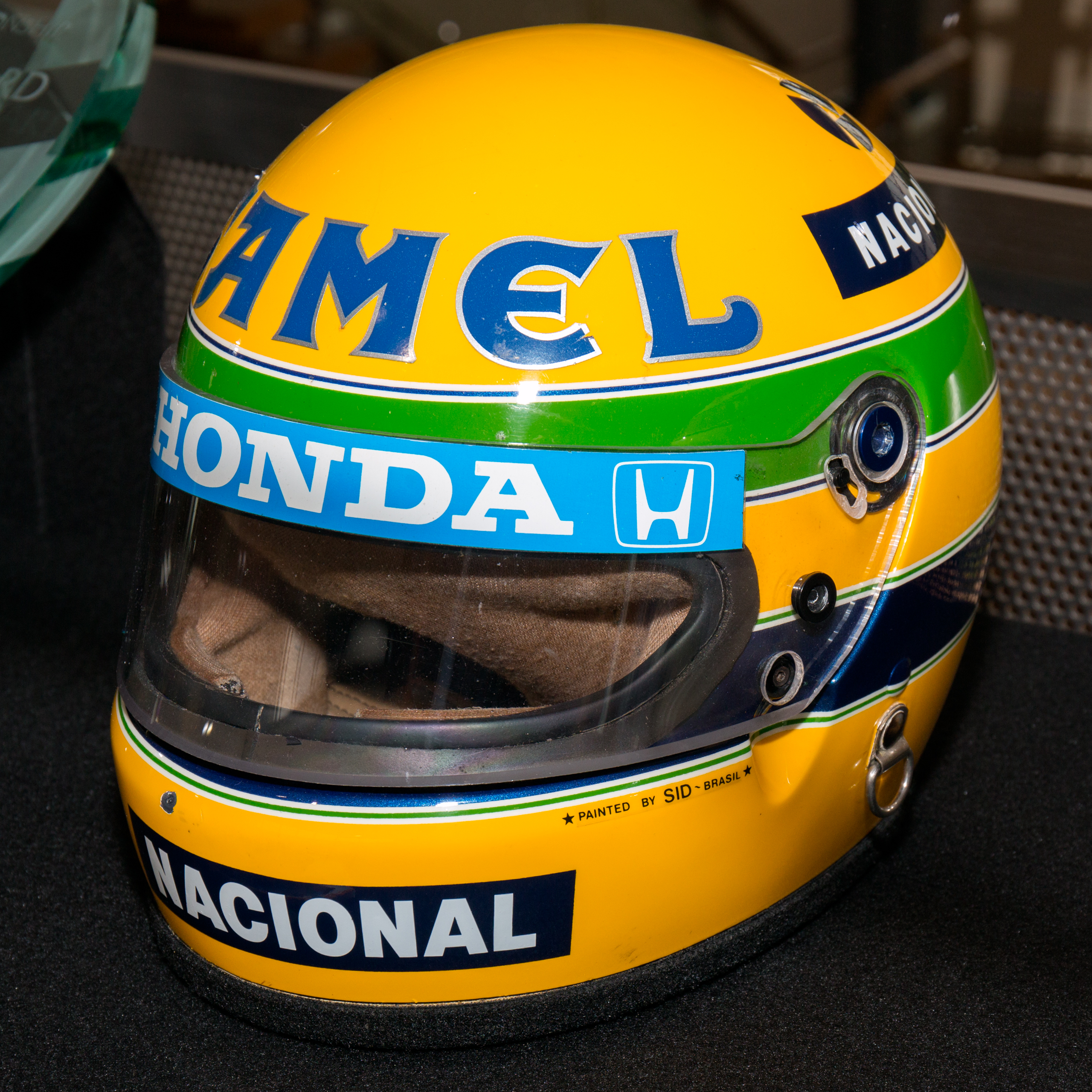file ayrton senna 1987 helmet front left 2015 honda. Black Bedroom Furniture Sets. Home Design Ideas