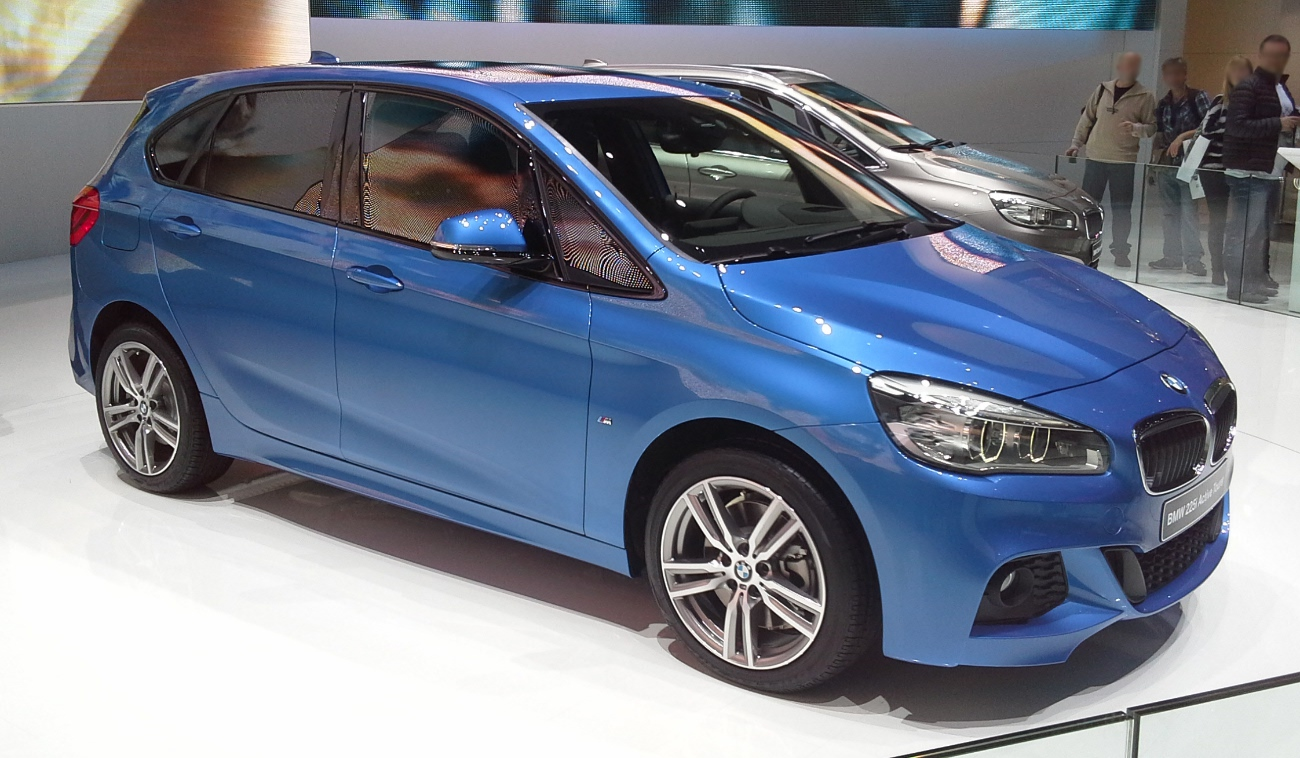 file bmw 2 series f45 active tourer geneva motor show 2014 03 wikimedia commons. Black Bedroom Furniture Sets. Home Design Ideas
