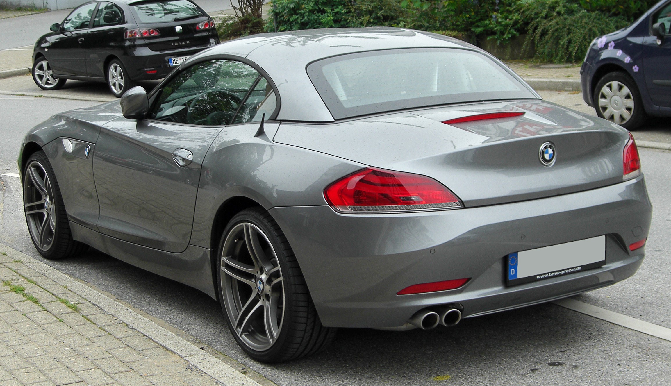 File:BMW Z4 (E89) rear 20100815.jpg - Wikimedia Commons