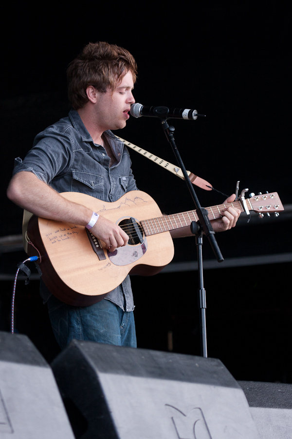The 29-year old son of father (?) and mother(?) Benjamin Francis Leftwich in 2018 photo. Benjamin Francis Leftwich earned a  million dollar salary - leaving the net worth at 1 million in 2018