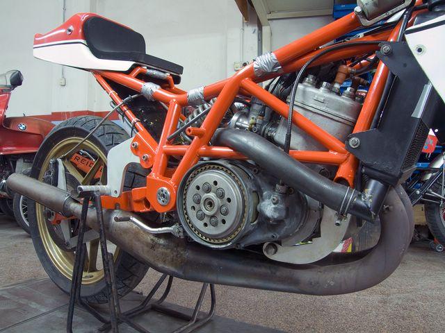 Suzuki Titan Cafe Racer