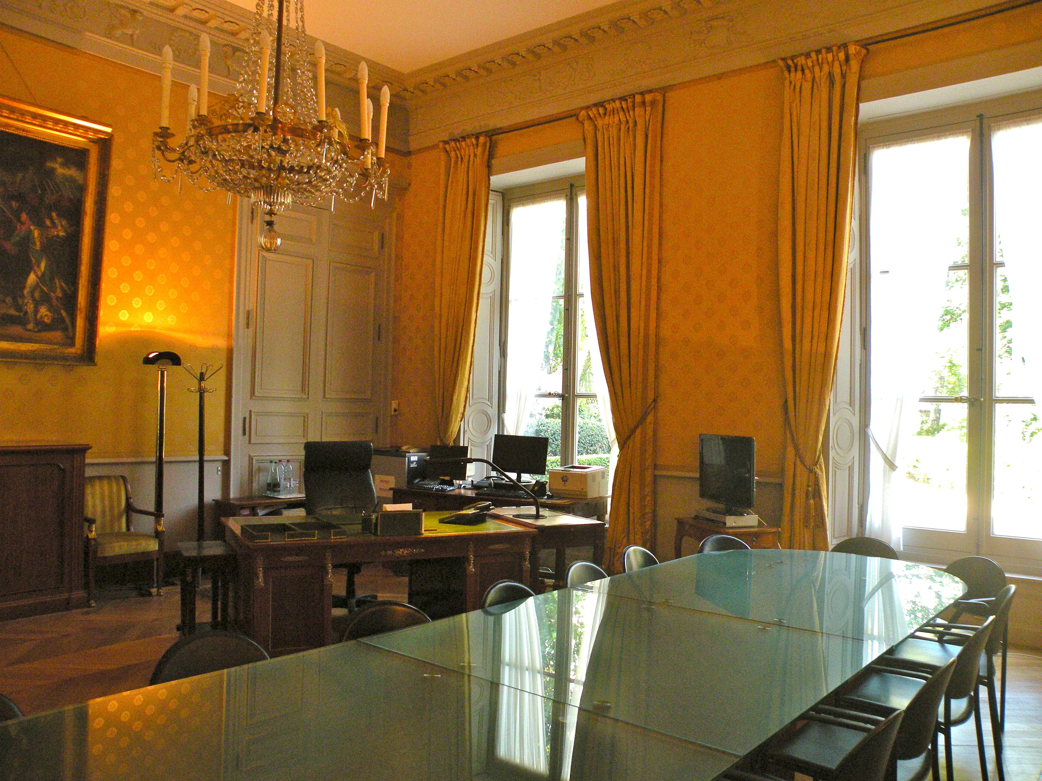 FileBrienne bureau directeur cabinet adjoint 1JPG Wikimedia