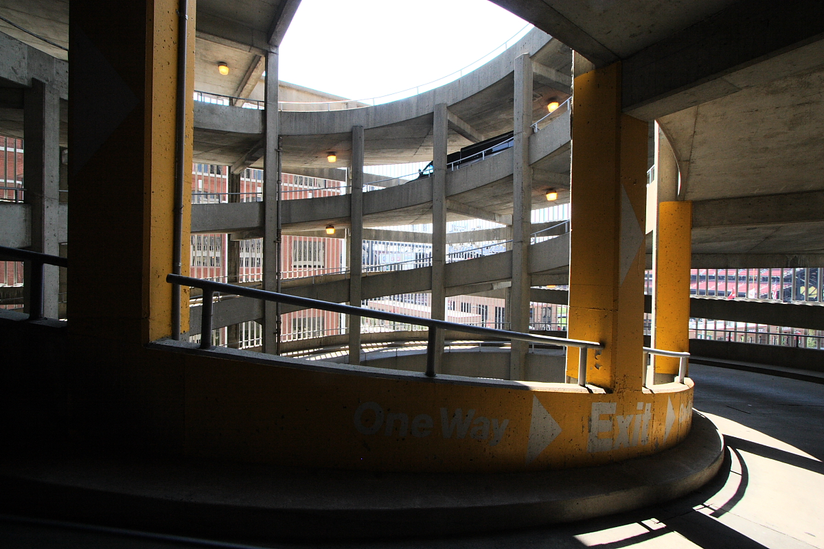 Multi-storey car park - Wikipedia, the free encyclopedia