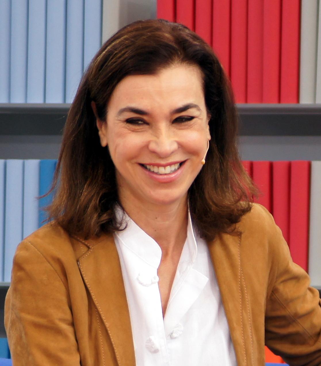 7d1f3fb6b Carmen Posadas – Wikipedia