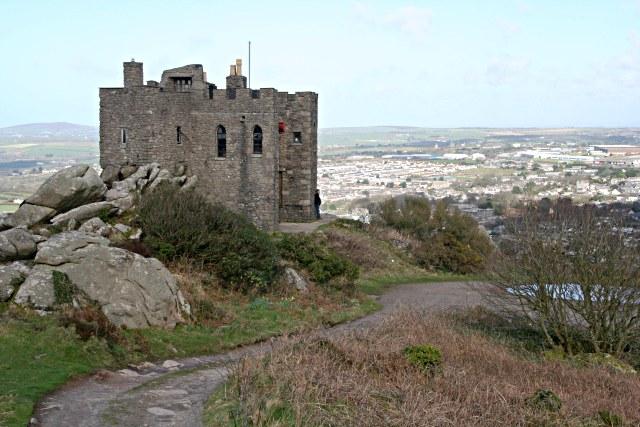 File:Carn Brea Castle - geograph.org.uk - 354079.jpg