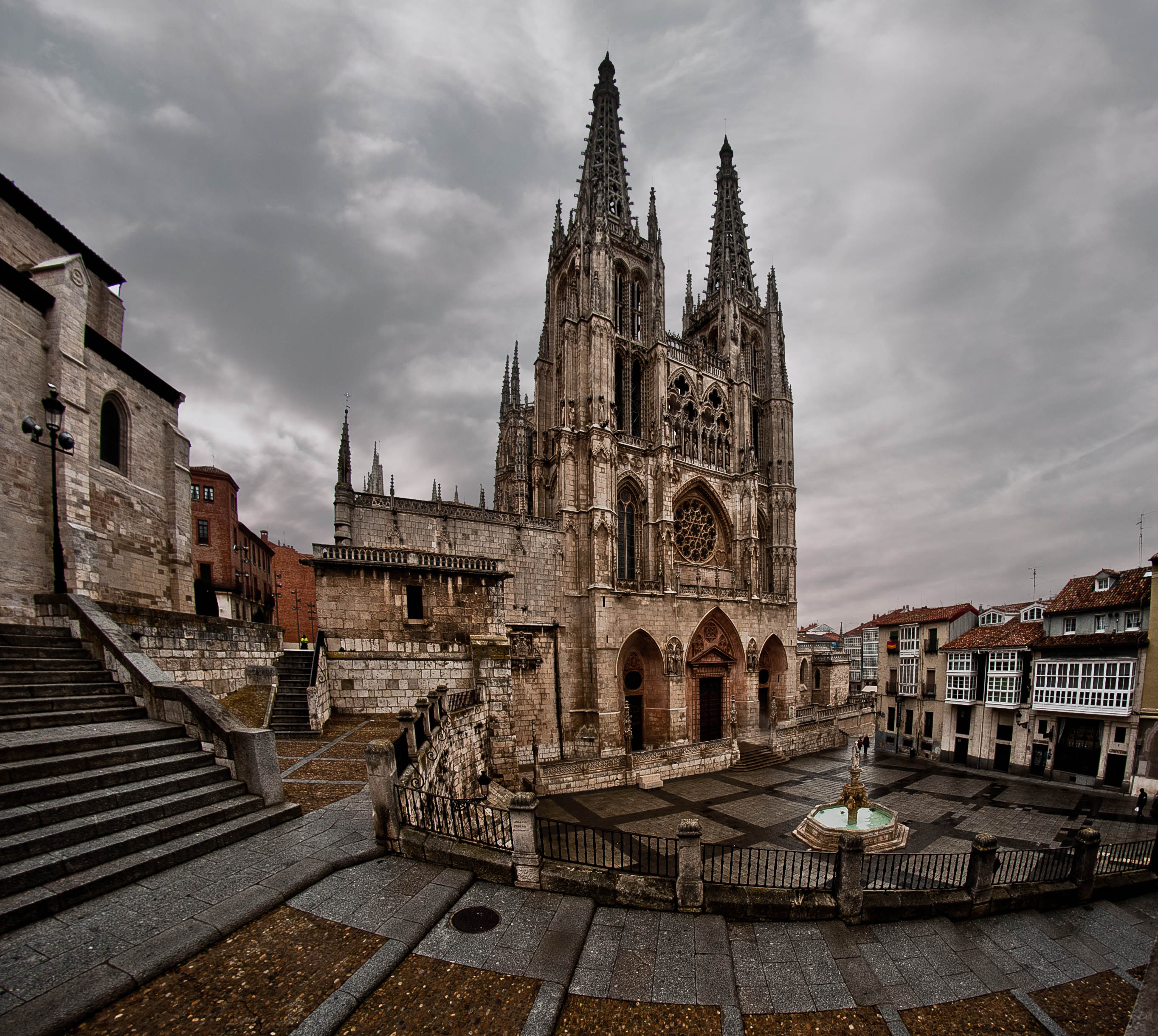 File:Catedral de Burgos (2).jpg - Wikimedia Commons
