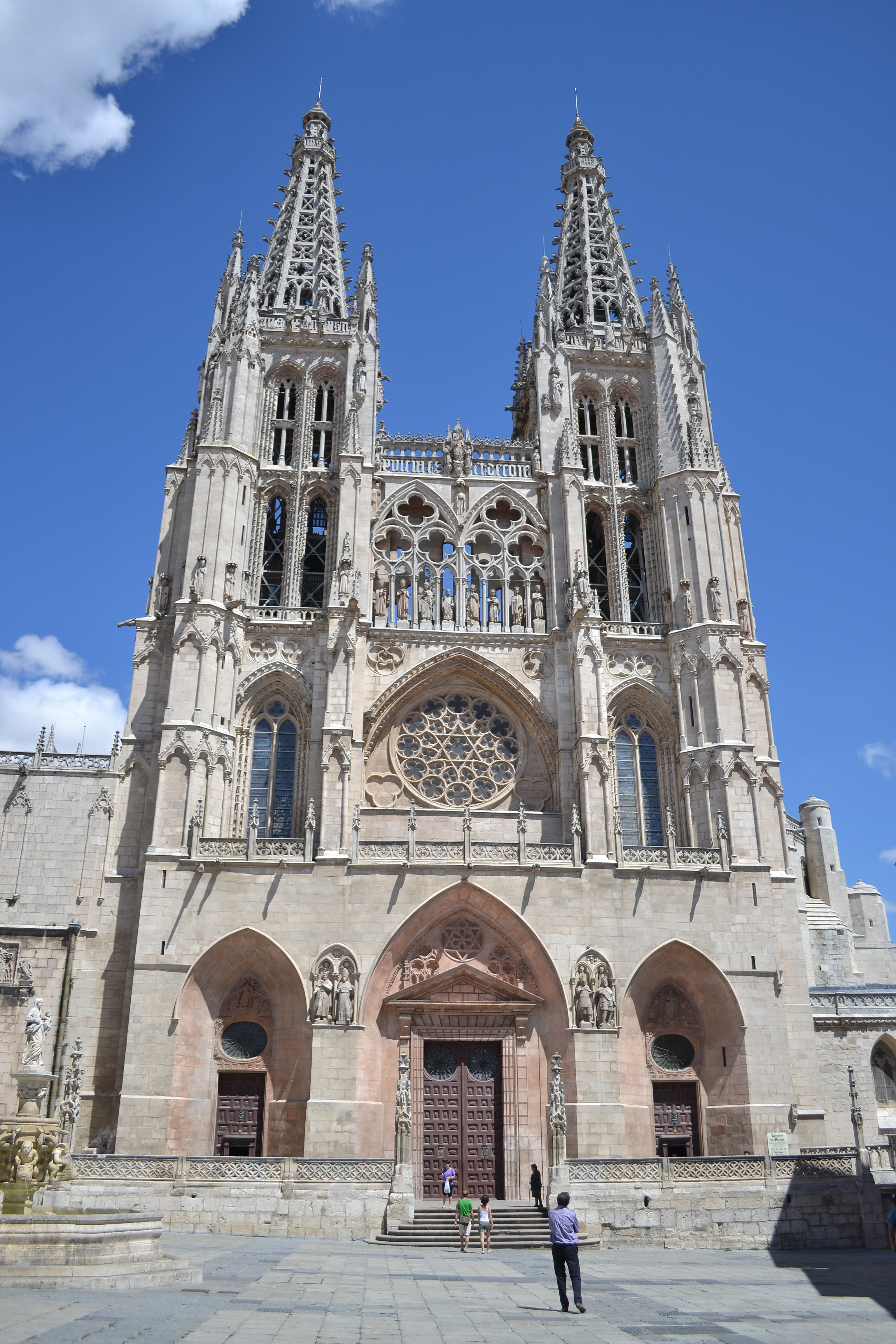 File:Catedral de Santa María - Burgos.jpg - Wikimedia Commons