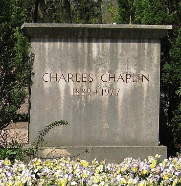 File:Charles Chaplin Grave in Corsier-sur-Vevey.jpg