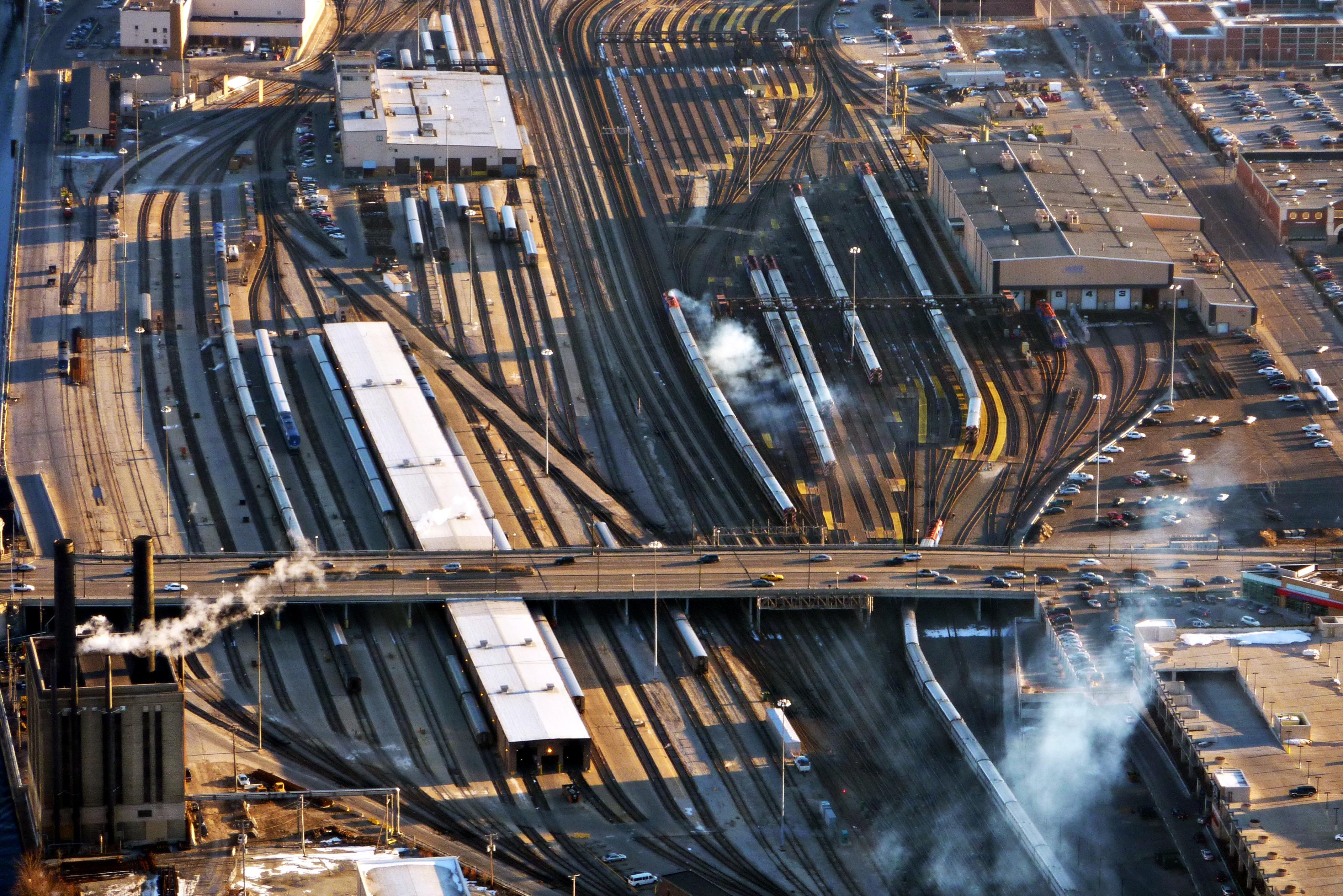 Rail yard - Wikipedia