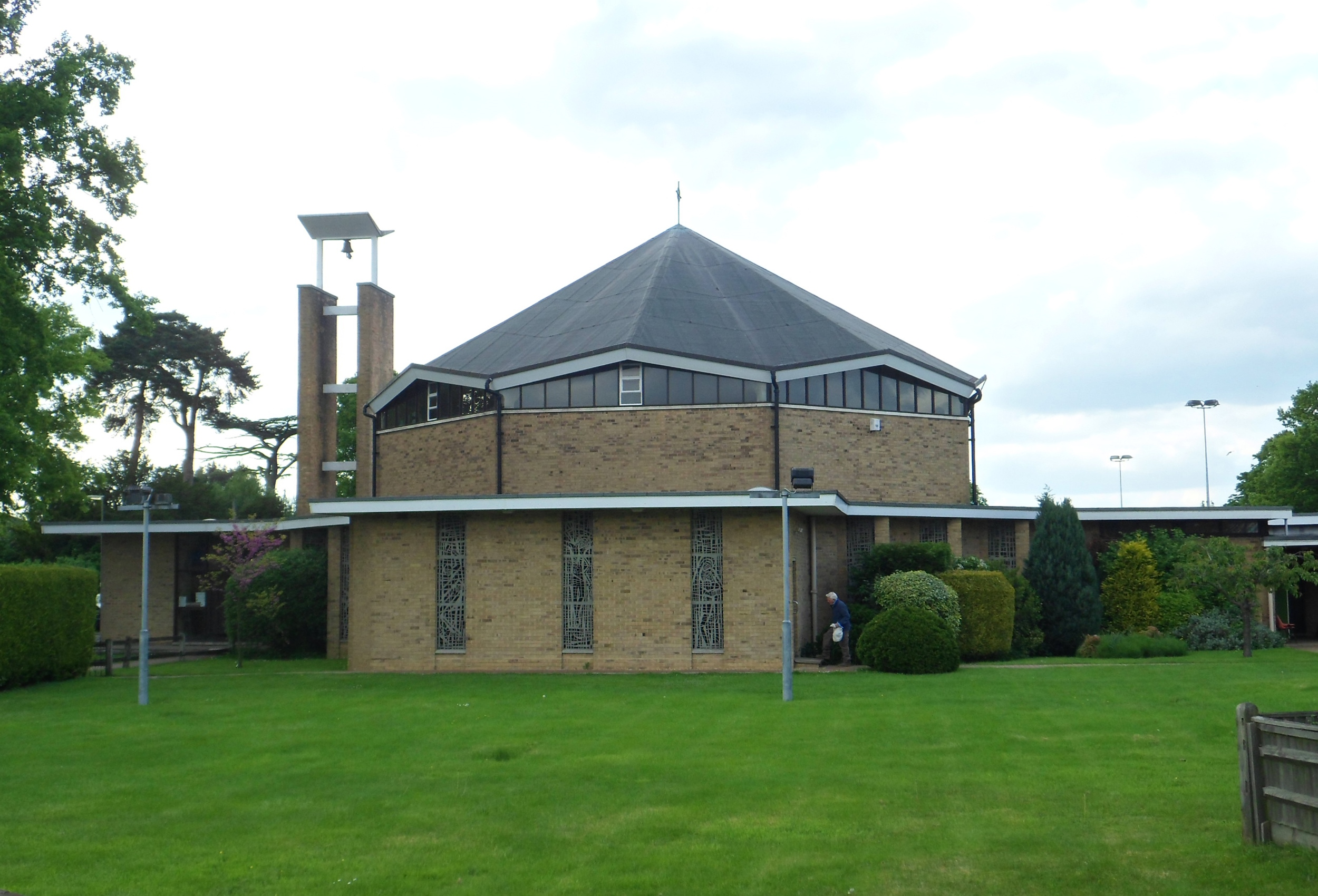 FileChurch Of The English Martyrs Vicarage Lane Horley June 2013