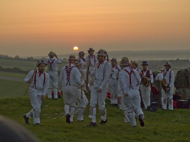 Coldrum Long Barrow - Hartley Morris Dance at Sunrise - geograph.org.uk - 1297864