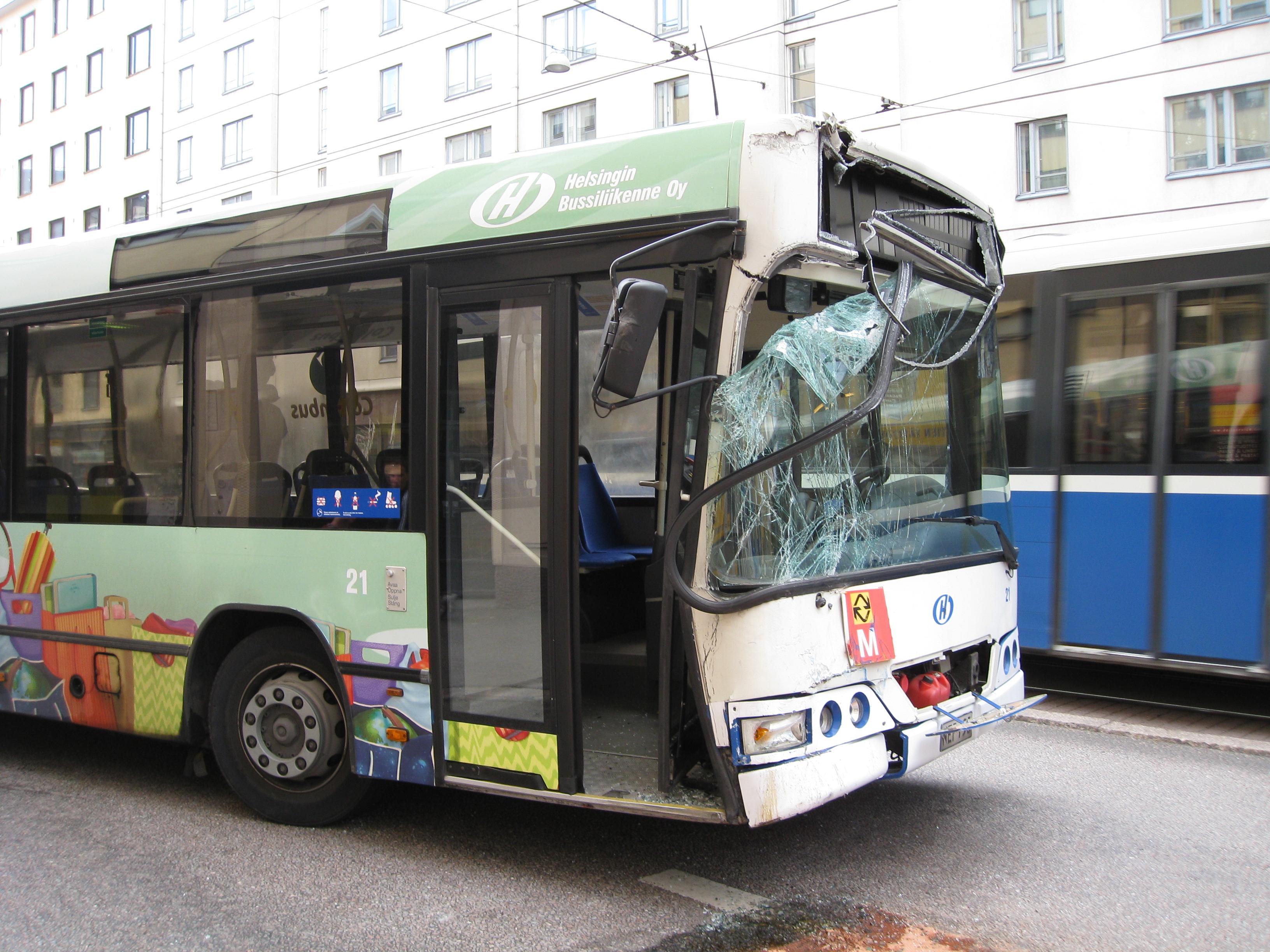File:Crashed bus Helsinki.jpg - Wikimedia Commons