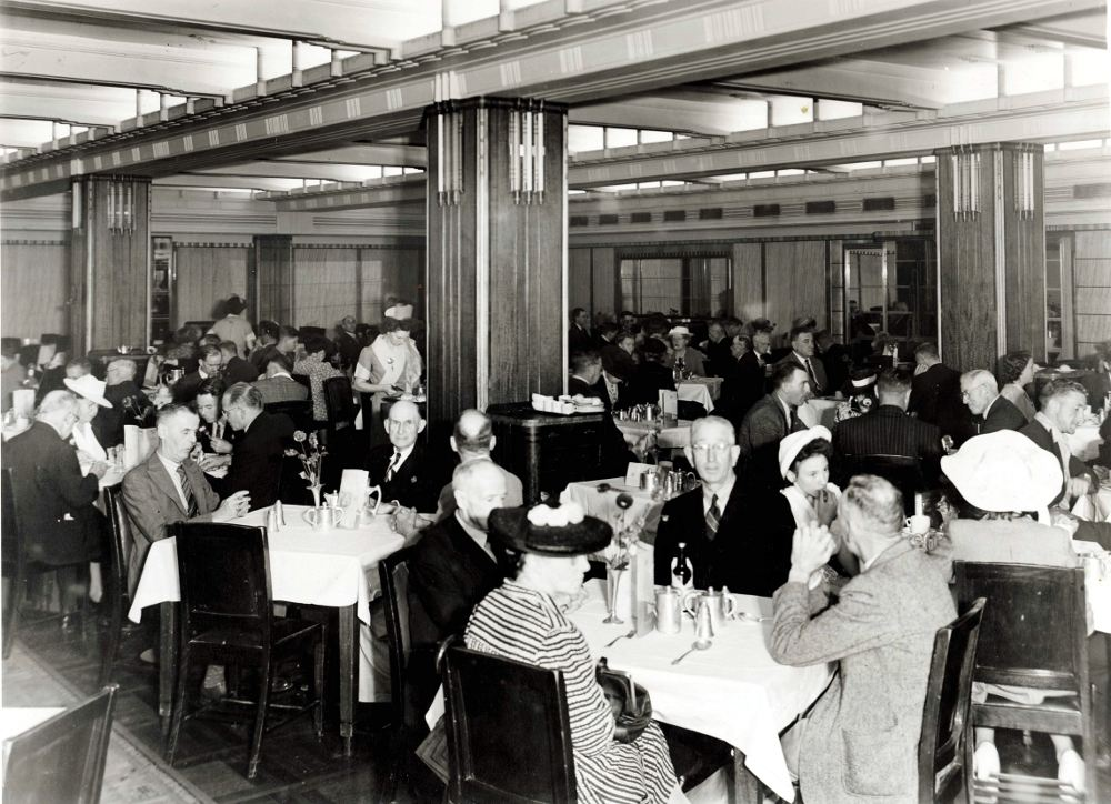File dining room at wynyard station 1946 4009462515 jpg for Q station dining room