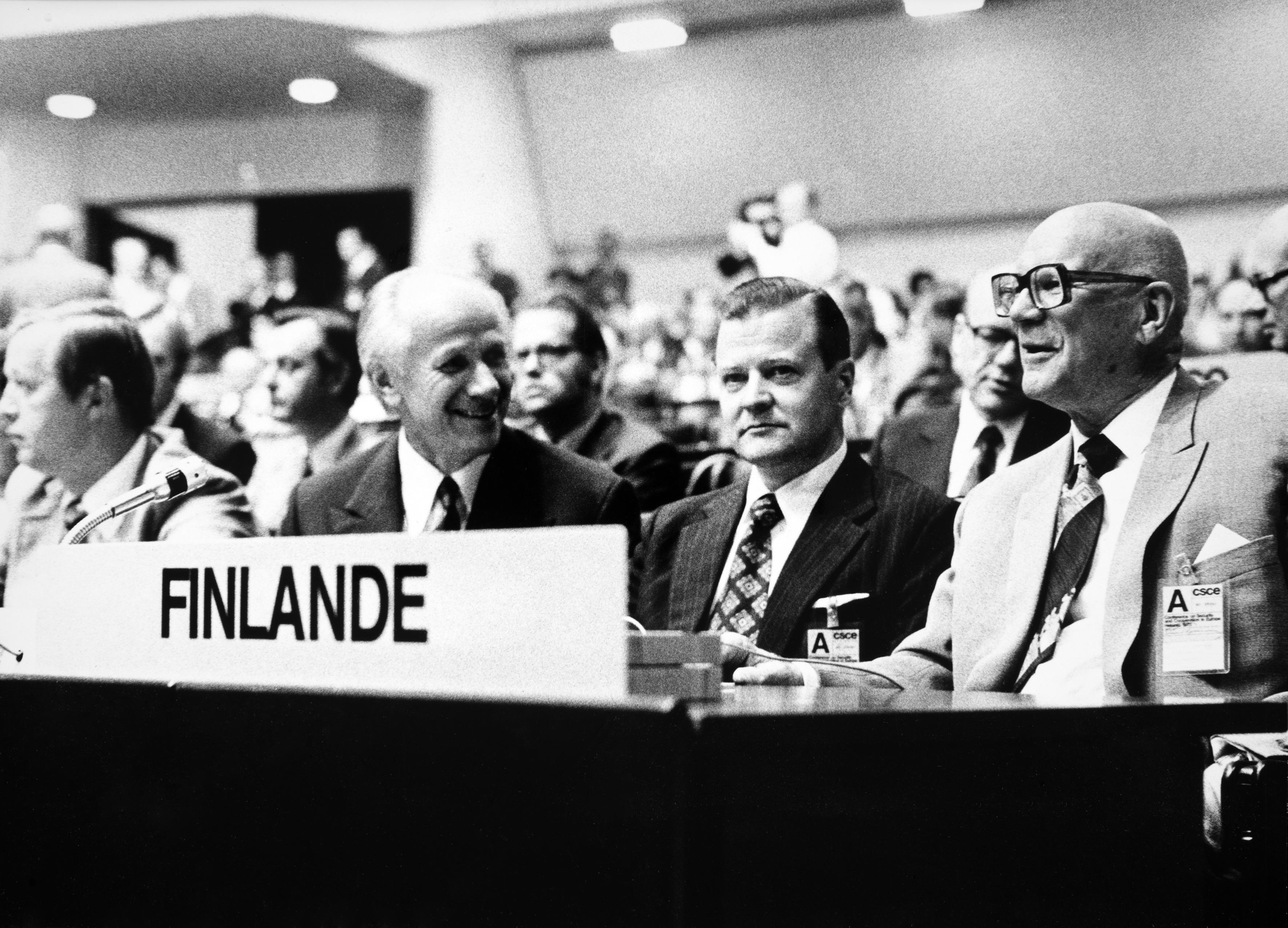Etyk 1975
