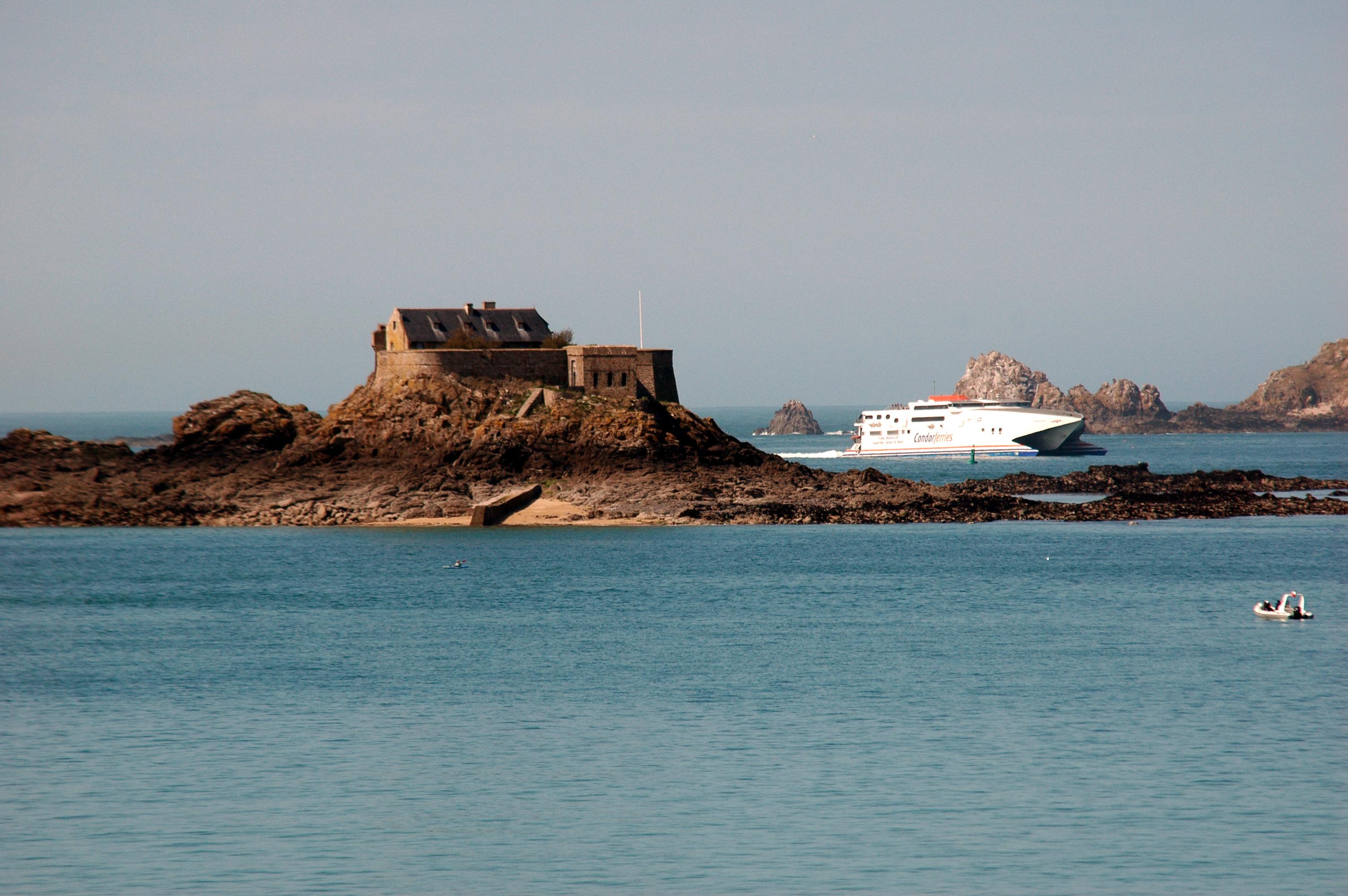 file france bretagne ille et vilaine dinard fort harbour. Black Bedroom Furniture Sets. Home Design Ideas