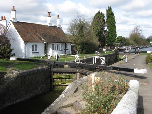 Grand Union Canal, Cow Roast Lock No 46 - geograph.org.uk - 1514928