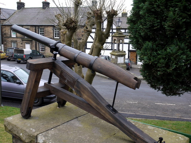 Gun by Townhall, Bellingham - geograph.org.uk - 1143304