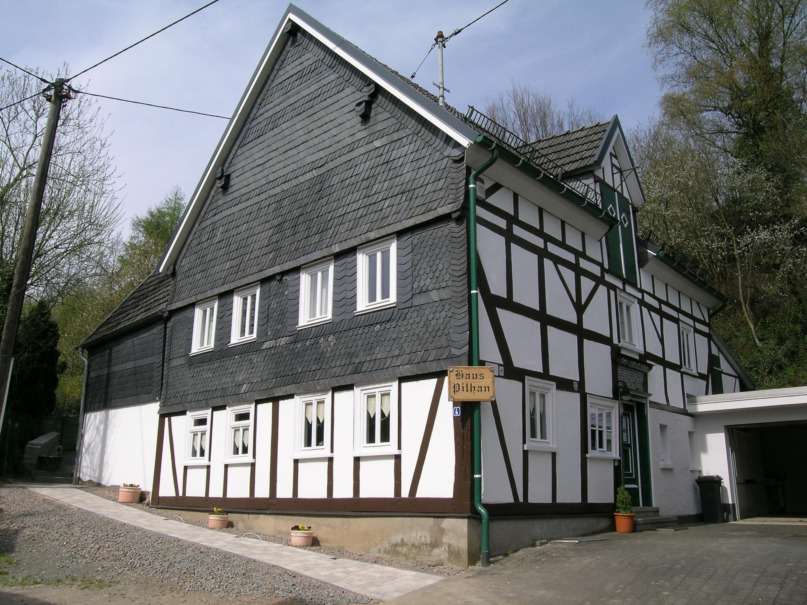 File:Haus Pithan Dreis Tiefenbach 2008 04 27.jpg Wikimedia