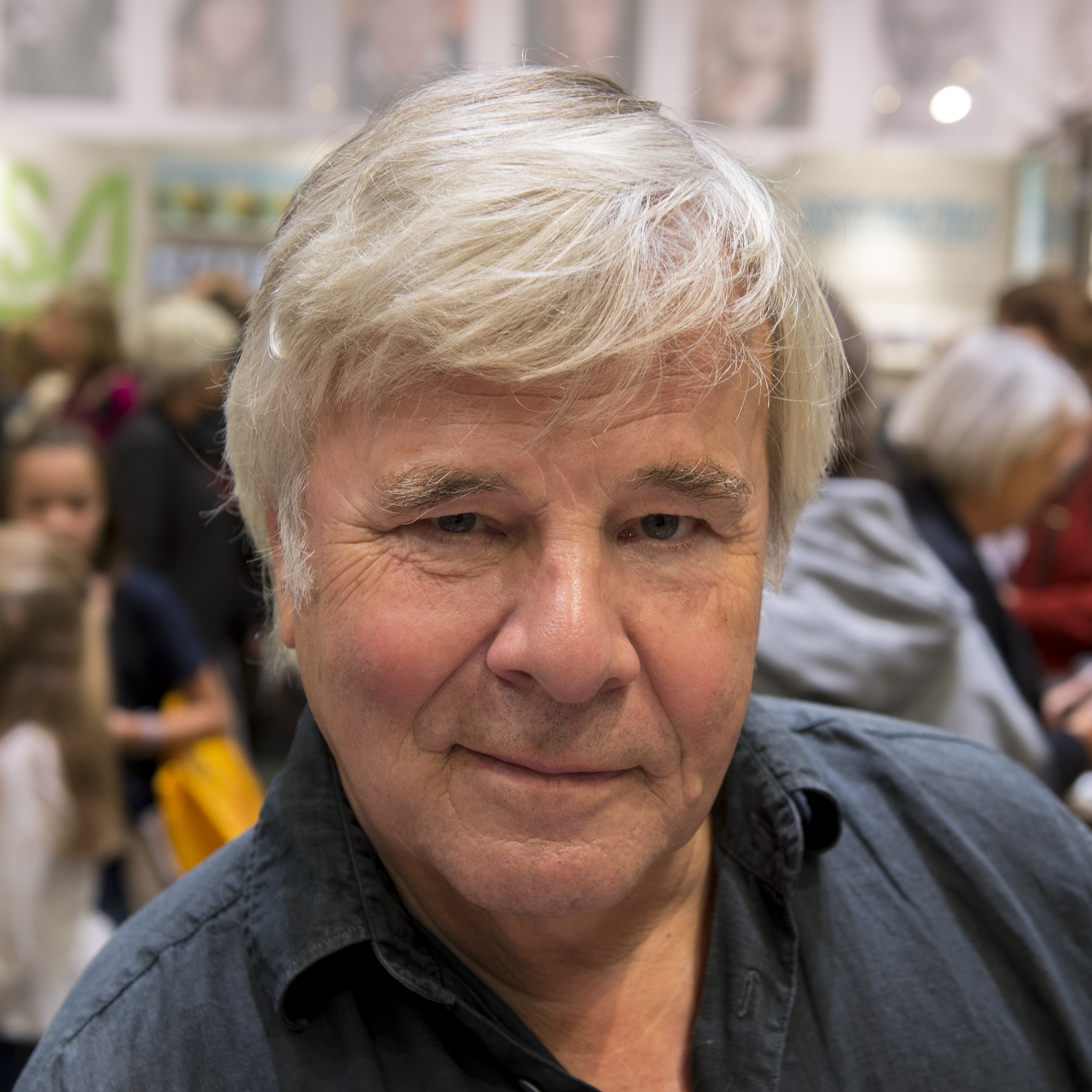 Guillou at the [[Göteborg Book Fair]] in 2013.