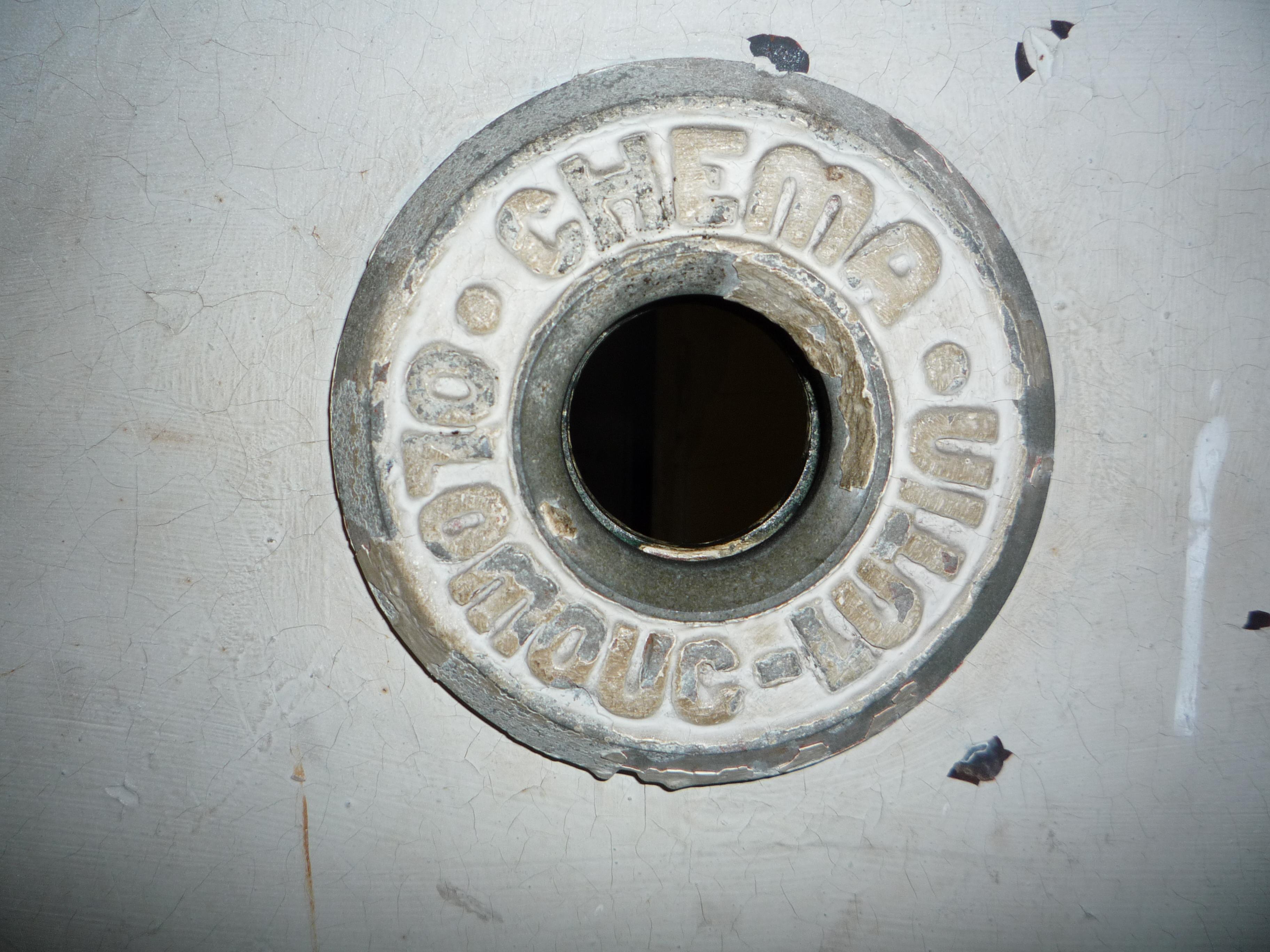 File judas de la porte de la chambre gaz du camp de for Camp du struthof chambre a gaz