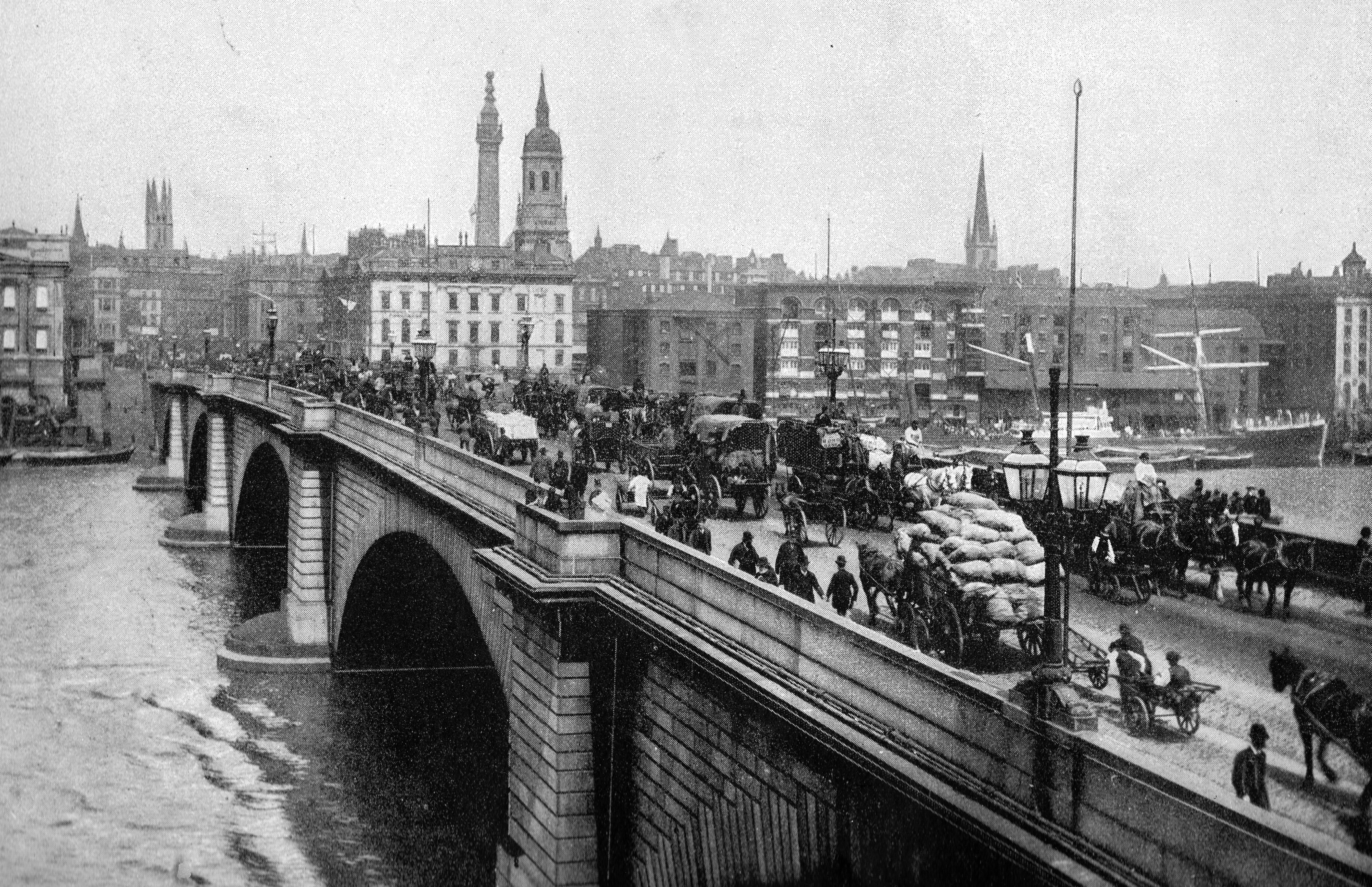 London Bridge in 1900