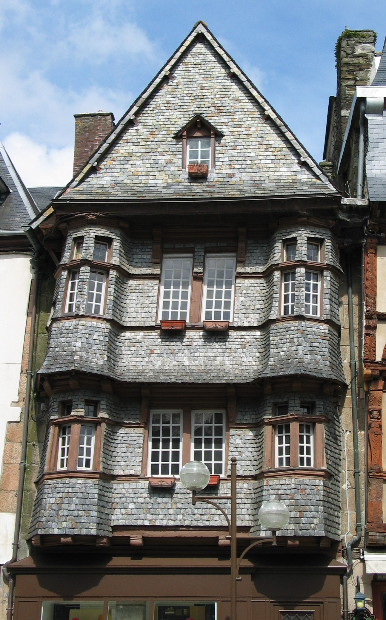 File old house lannion brittany wikimedia commons for This old housse