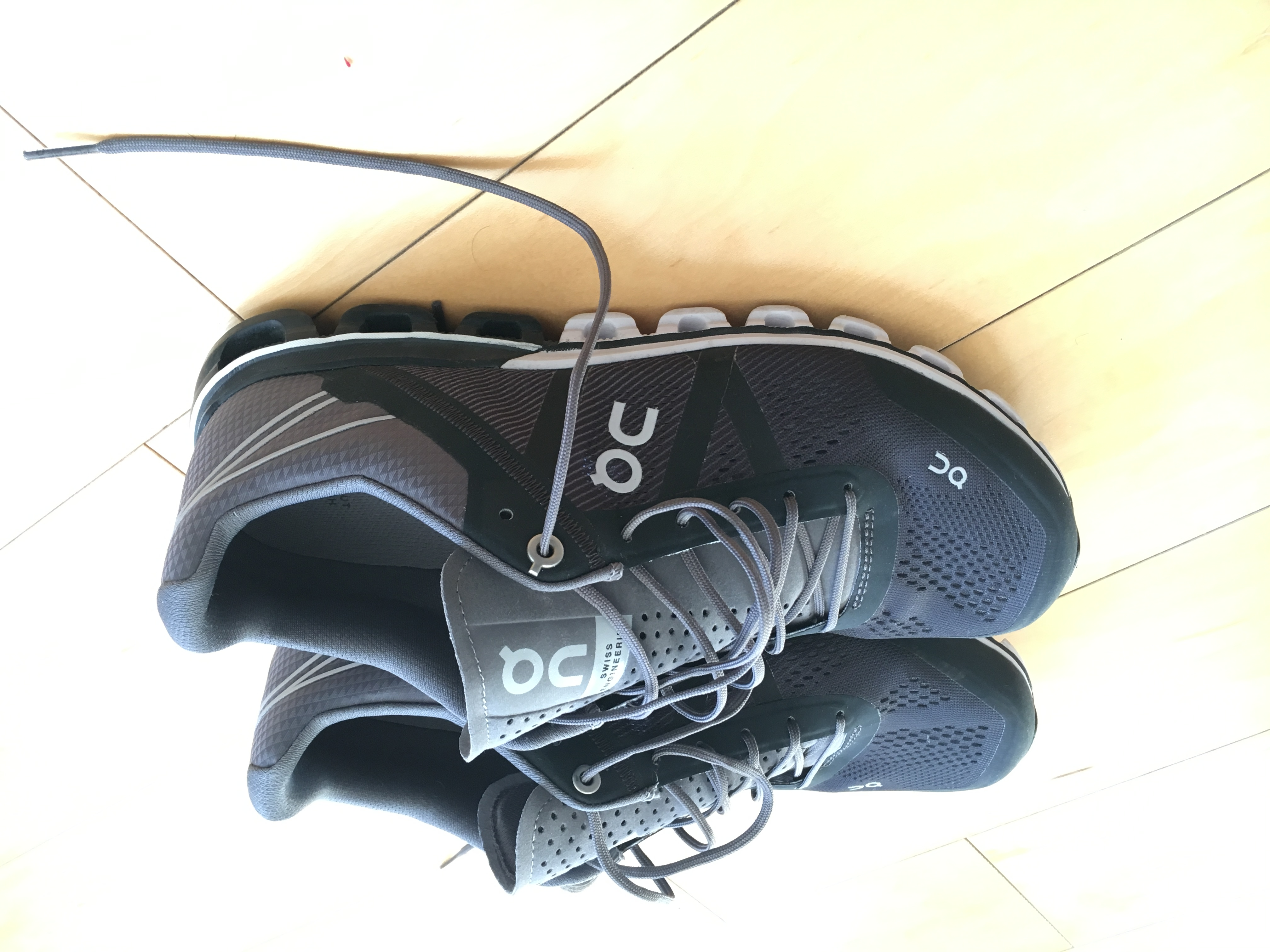 File:On Cloudflow running shoes.jpg - Wikimedia Commons