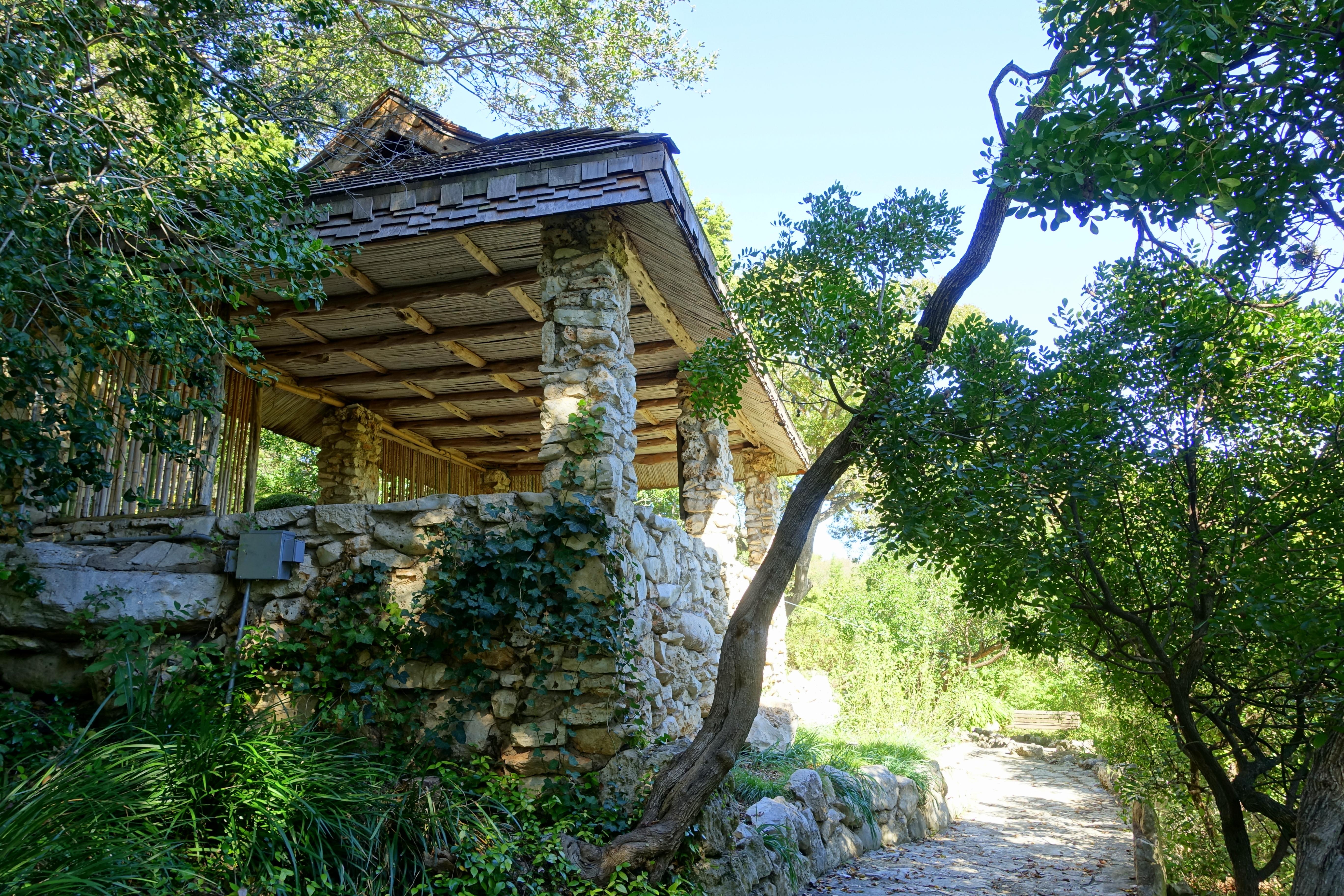 File:Pavilion   Isamu Taniguchi Japanese Garden   Zilker Botanical Garden    Austin, Texas