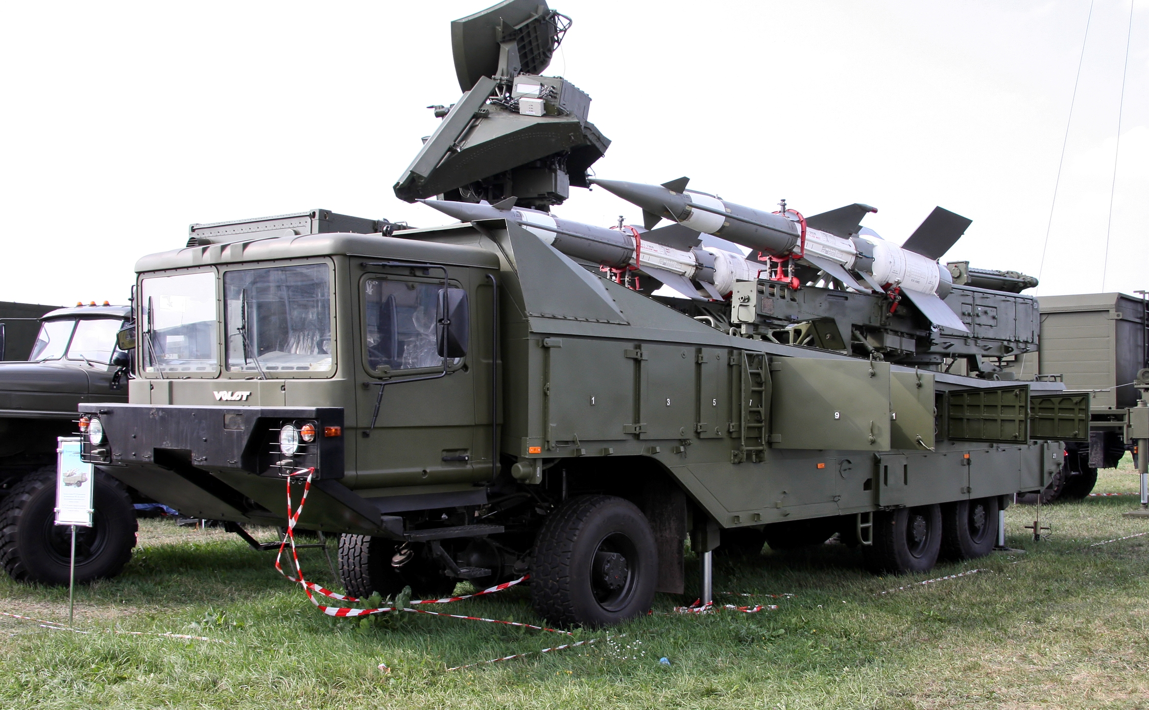 EJÉRCITO BRASILEÑO - Página 16 Pechora-2M_-_missile_launcher_2