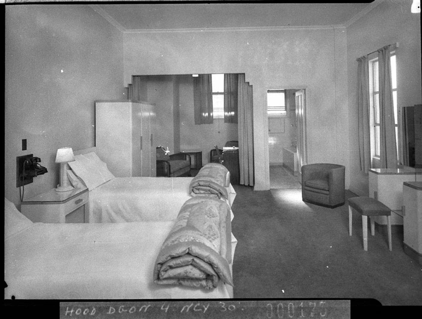 Australian Hotel Motel Yab