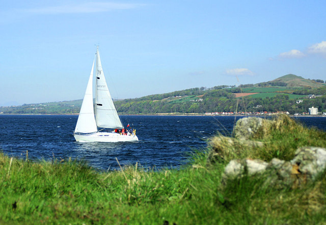 Sailing the Firth of Clyde - geograph.org.uk - 426858
