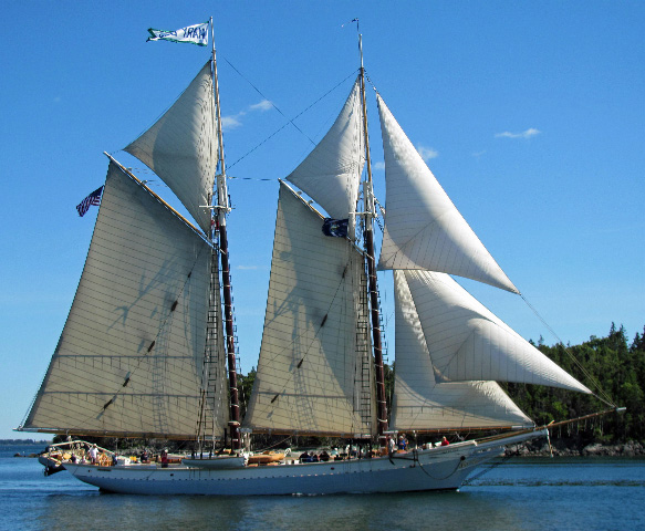 File:Schooner Mary Day by Shannon Gallagher.jpg