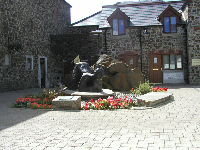 Sculpture near the Information Centre. - geograph.org.uk - 1224892