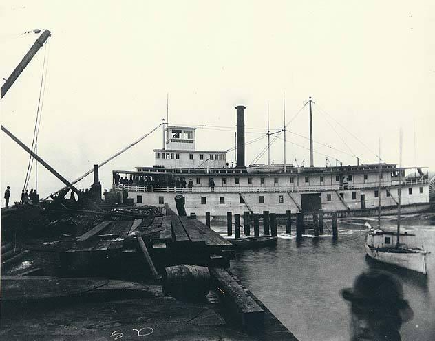 File:State of Washington (sternwheeler) at Everett ca 1892.JPG